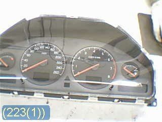 Combined Instrument - Volvo V70 -00 9499668