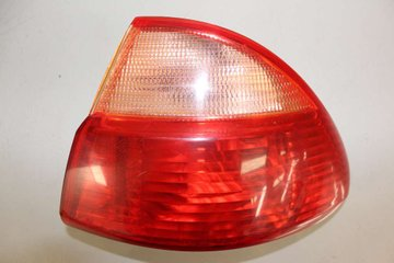 Tail light - Toyota Avensis -01 81550-05120 89022027