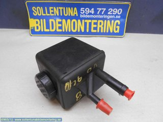 Power steering Oil containers - Volvo 940 -98 6819752