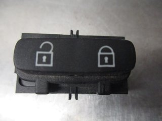 Central lock Switches - Volvo V70 -09 30710475  30710475