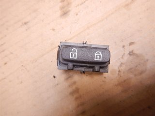 Central lock Switches - Volvo XC70 -10  30710475