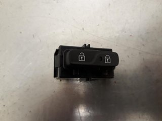 Central lock Switches - Volvo V40 12 ->> -18 31376498  31376498