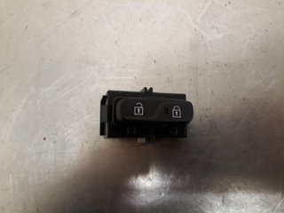 Central lock Switches - Volvo V40 Cross Country -19 31376498  31376498