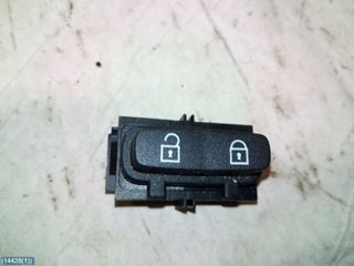 Central lock Switches - Volvo S80 -06  30710475