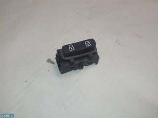 Central lock Switches - Volvo V70 -07  30710475