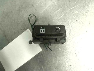 Central lock Switches - Volvo V70 -10 30710475 03451600 30710475