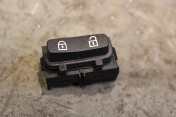 Central lock Switches - Volvo S80 -07 30710476 30710476
