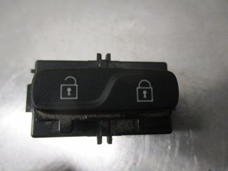 Central lock Switches - Volvo V70 -11 31318987  31318987