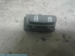 Central lock Switches - Volvo XC70 -08 30710475
