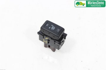 Seat Heating Switches - Nissan NV200 / NV200 Combi -13 255001AA0C 25500JN00D
