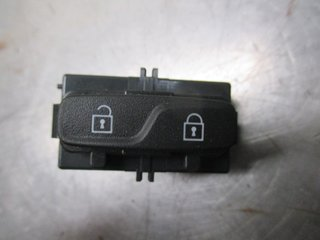 Central lock Switches - Volvo V70 -12 31318987  31318987