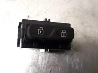 Central lock Switches - Volvo V40 12 ->> -17 31376498  31376498
